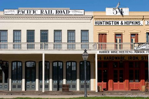California, California State Historic Park, Central Pacific Railroad Company, Gold Country, Huntington & Hopkins Hardware store, Old Town Sacramento, buildings, gold rush era architecture, the Big Fou