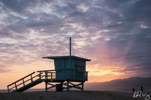 Los Angeles County, Pacific Ocean, beaches, coastal, coastline, coasts, lifeguard station, lifeguard tower, lifeguards, north america, outdoor, outside, people, safety, southern california, sunset, su