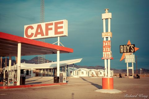 California, Mojave Desert, abandoned, accommodation, advertising, amboy, americana, amerique, art, broke, cafe, cafes, driving, eat, fall, falling apart, famous, food, fuel, gas station, ghost town, h