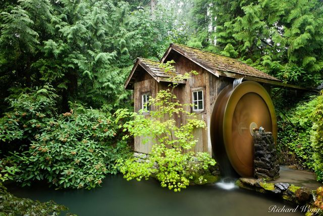 Minter Gardens Water Wheel, Chilliwack, B.C., photo
