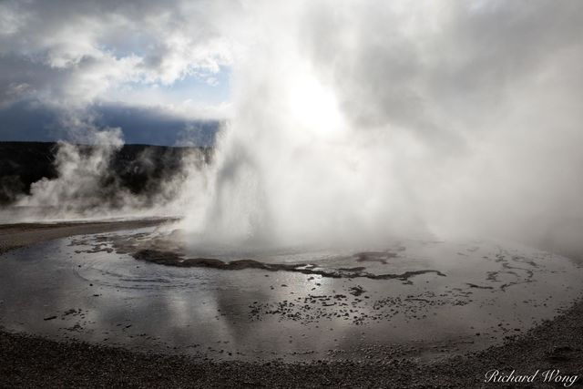Sawmill Geyser Eruption in Upper Geyser Basin, Yellowstone National Park, Wyoming, photo