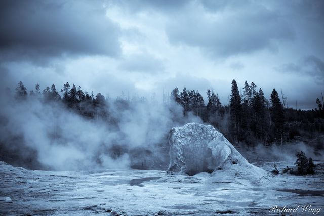 Giant Geyser (Upper Geyser Basin), Yellowstone National Park, Wyoming, photo