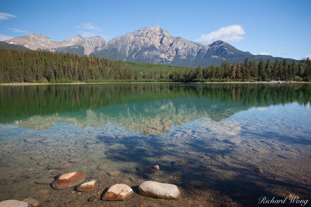 Patricia Lake, Jasper National Park, Alberta, Canada, Photo