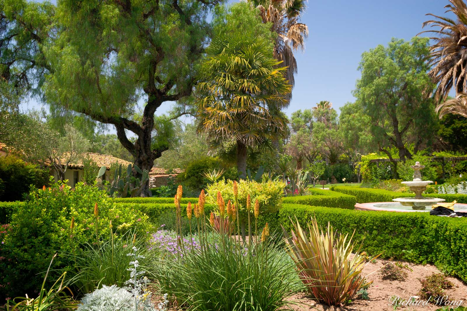 Mission San Buenaventura Garden Courtyard, Ventura, California, photo, photo