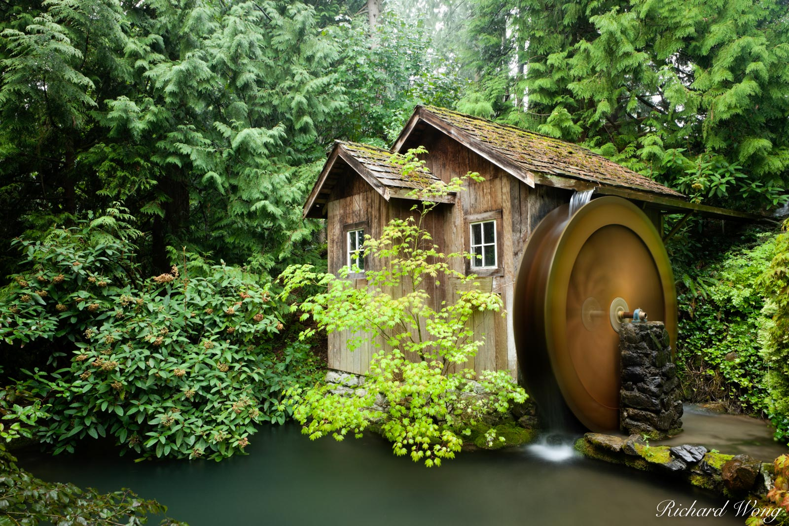 Minter Gardens Water Wheel, Chilliwack, B.C., photo, photo