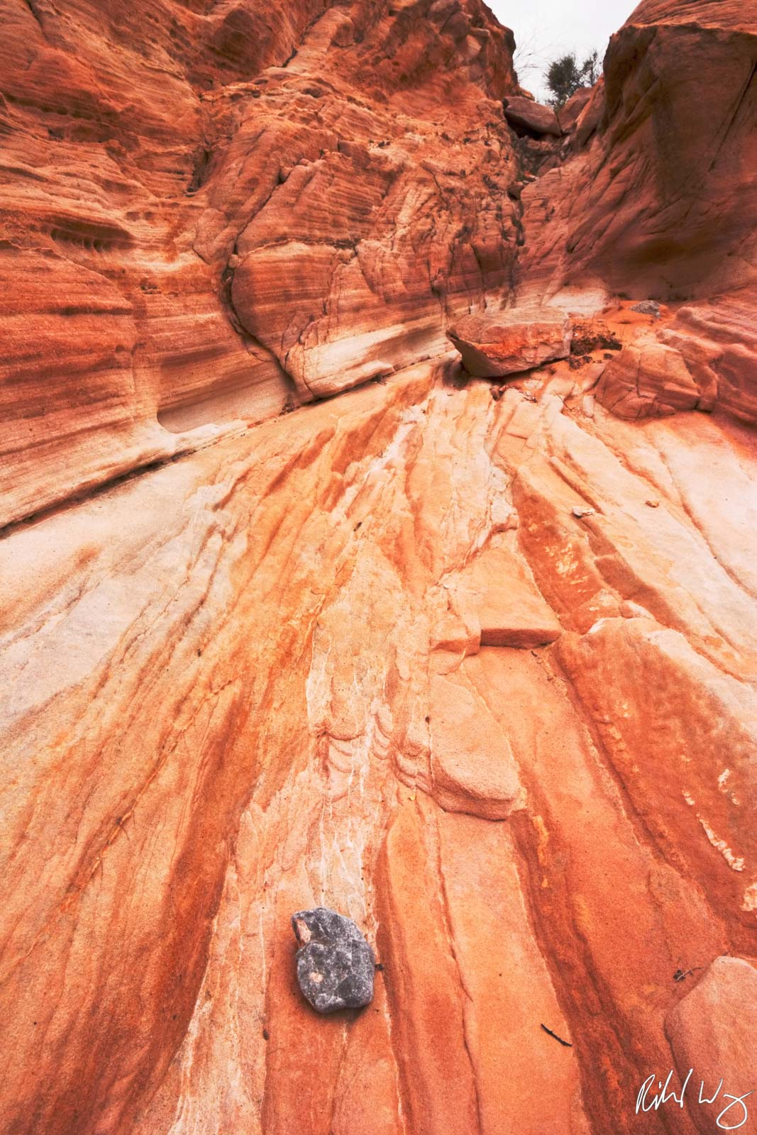 Eroded Sandstone Leading Lines, Valley of Fire State Park, Nevada, Photo, photo