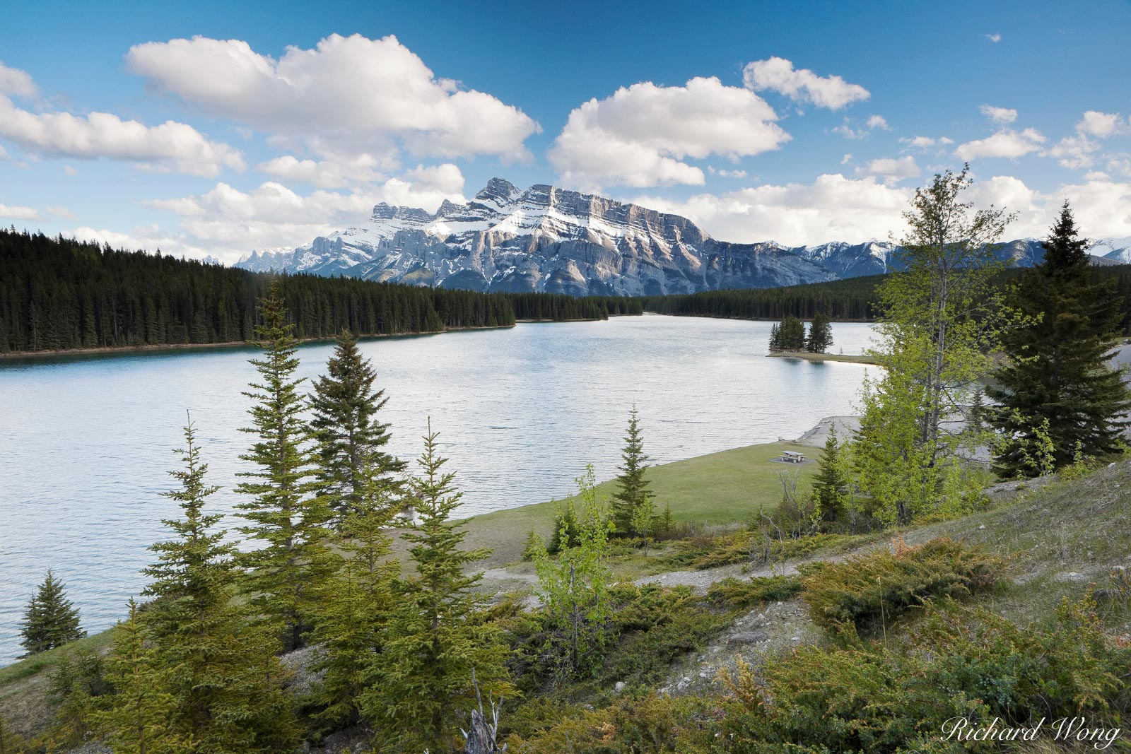 Two Jack Lake with Mount Rundle in Background, Banff National Park, Alberta, Canada, Photo, photo