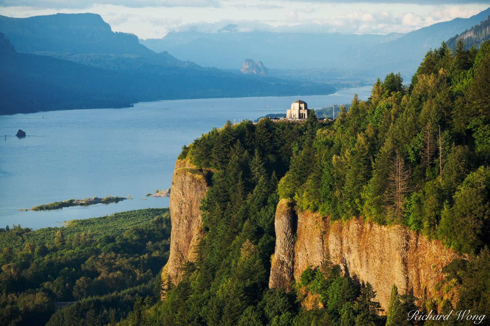 Crown Point Vista House, Columbia River Gorge National Scenic Area, Oregon, photo