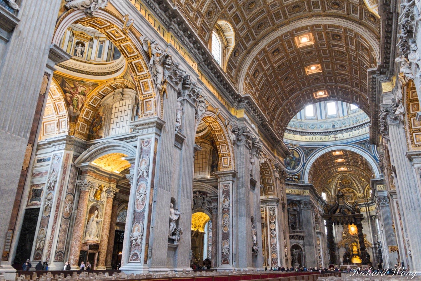 Basilica di San Pietro Interior in Citta del Vaticano, Roma, Italy, photo, photo