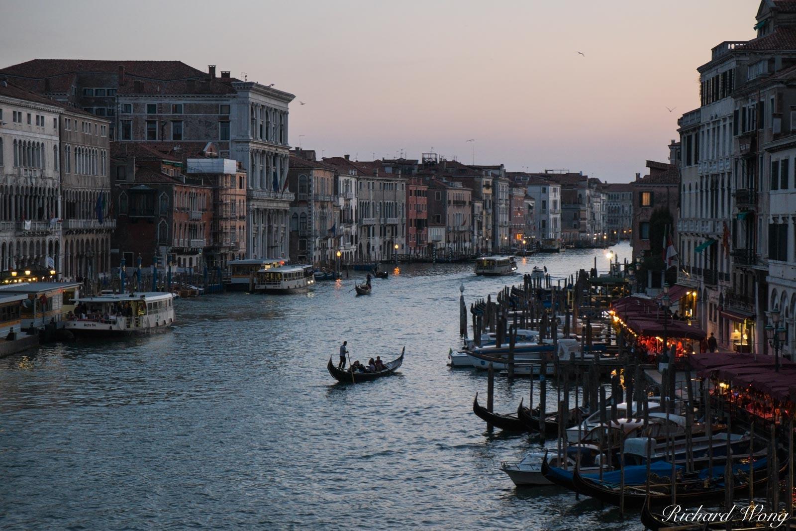 Rialto Bridge View at Dusk, Venice, Italy, photo, photo