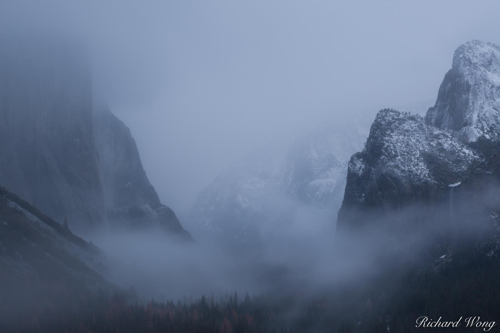 Tunnel View in December Snowstorm, Yosemite National Park, California, photo, photo