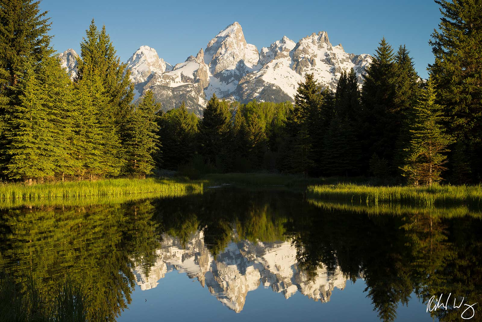 One of the most famous of all western landscapes, Schwabacher Landing is quintessential Rocky Mountains. Year Photographed: 2018...