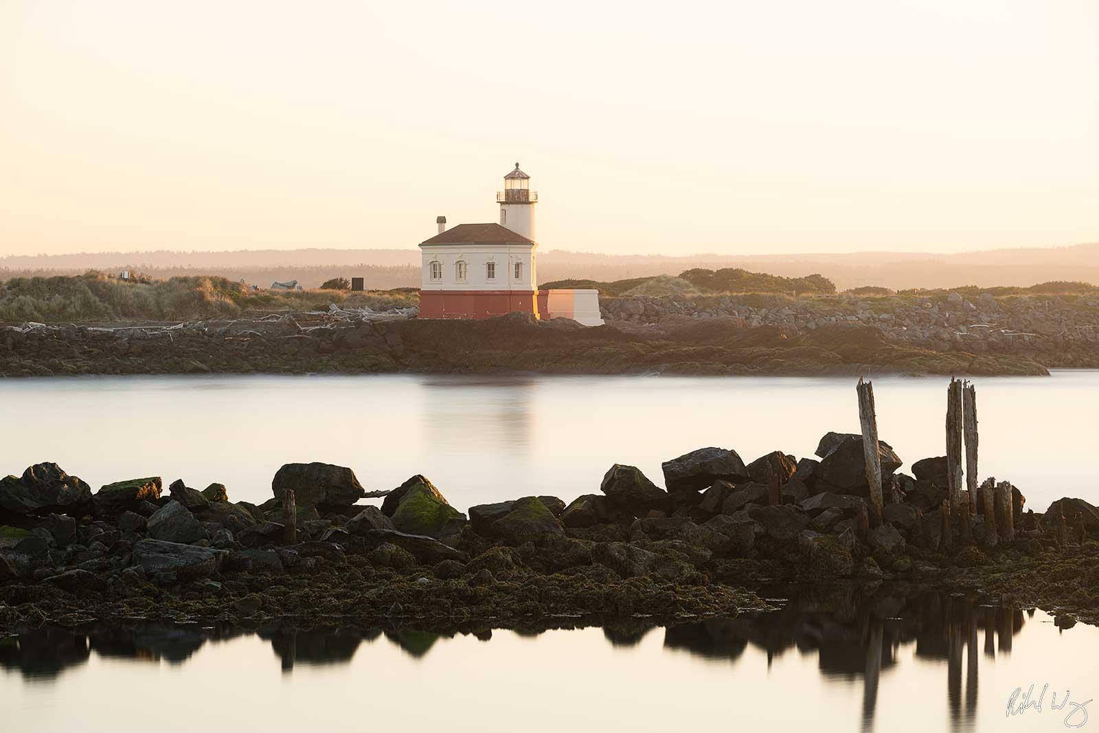 Coquille River Lighthouse, Bandon, Oregon, photo